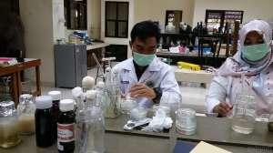 Mahasiswa UNY Olah Daun Jambu Air Jadi Sabun Cuci Tangan