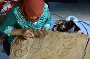 Desa Wisata Krebet Tawarkan Wisata Edukasi Batik Kayu