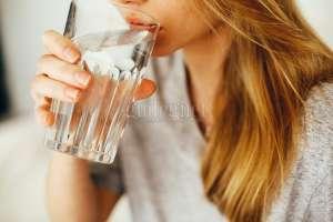 Tips Memenuhi Kebutuhan Air Putih Saat Puasa