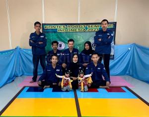 Tim Robot 'Lanange Jagad' UAD  Juara III KRI Wilayah I